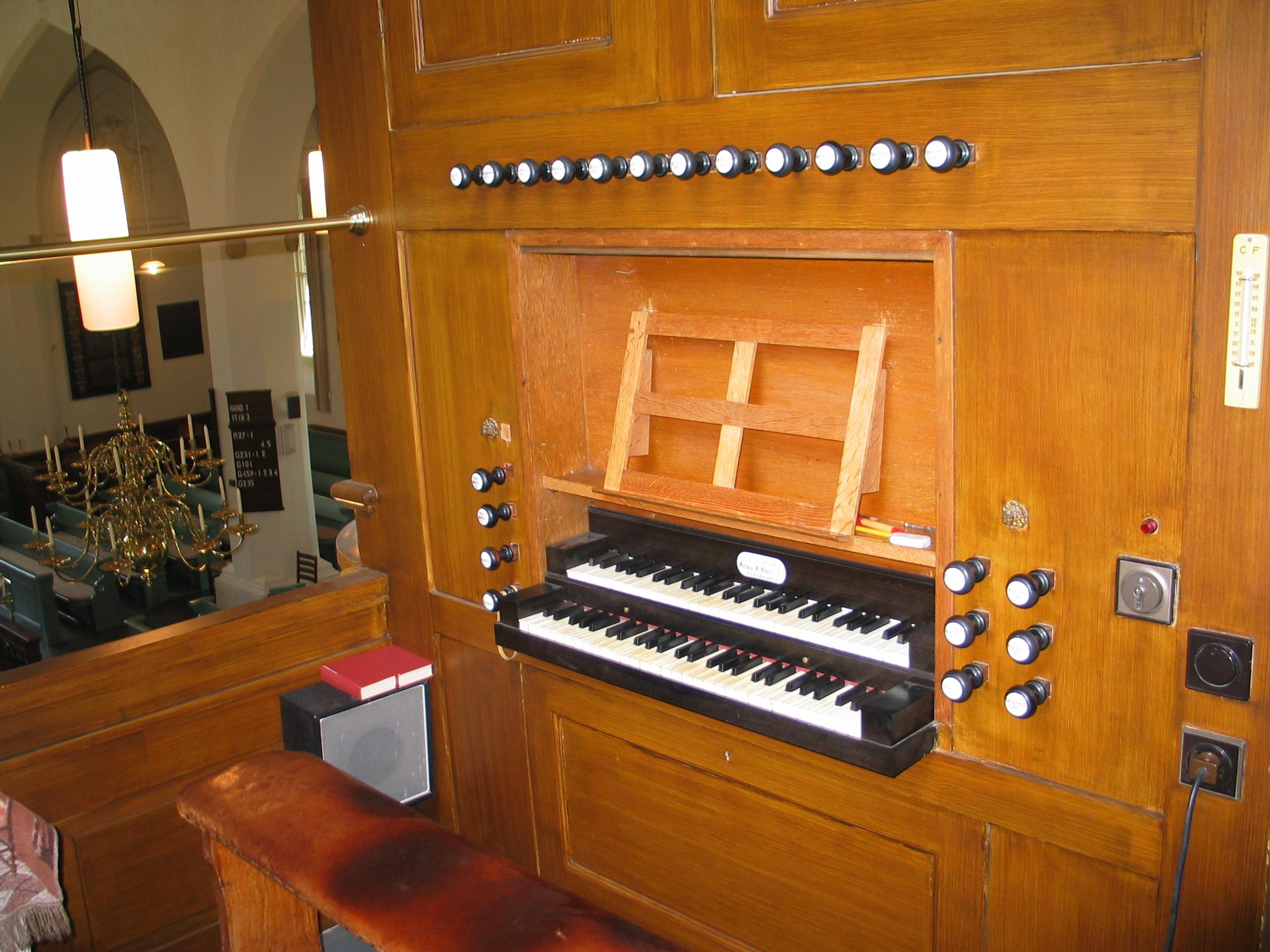 a4 bi orgelklavier Img_0049